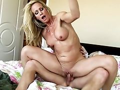 Bedroom Practice Along Horny Cougar In Heats