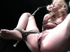 Blonde Chick Named Aali Kali Is Worth Both Onanism And Fuckbox Taunting
