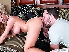 The First-ever-class Hooker Tasha Reign Makes A Deep Blowage To The Alec Knight And Gets Gobbled