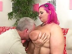 Fat Bum Sara Starlet Spreads Her Butt Cheeks And Sits On A Hard-on