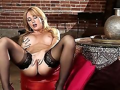 Angela Sommers Is Packed With Enthusiasm. With No Man To Help Her Get Off, She Must Have Fun With Herself To Reach Orgasm. A Lovely Solo Nymph In Act