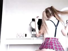 Blonde Uber-cute Scholgirl Ass-fuck