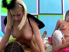 Boundlessly Hot Blonde Bombshell Britney Amber Is Having A Nice Group Hookup