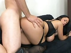 Juggy Assistant Carmella Bing Shows Talents Of Her Deep Facehole And Raw Cunt