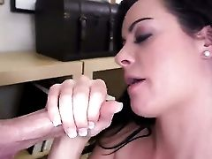 Mandy Laugh At Gets Her Fuckbox Ate