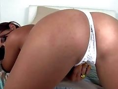 Lusty Cheep Dark Haired Bella Blu With Yellow Bitchy Pulverizes Gets