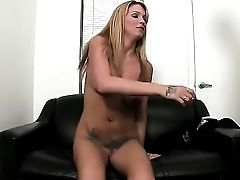 Blonde Trixie Starlet Has Fire In Her Eyes As She Takes Pop Shot On Her Impatient Face