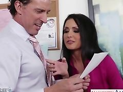 Office Mega-slut Jessica Jaymes Gives Her Head And Gets Fucked Right On The Table