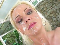 Sperm Maniac - Jizz Covered And Gulped !